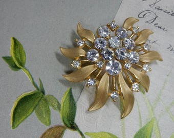 Crown TRIFARI Rhinestone & Gold Leaf Brooch   OAT31