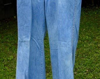Vintage 70s High Waisted Wide Leg Bellbottom Jeans by Snap Finger