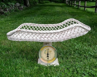 Vintage Wicker Baby Scale / Vintage Scale / Photography Prop / Baby Shower / Nursery