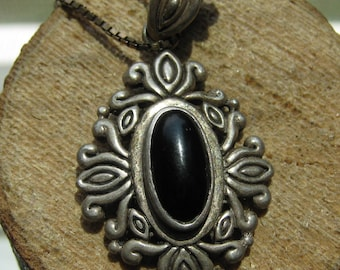Beautiful Vintage Sterling Silver Women's Pendant with a Black Onyx Gemstone Victorian Design