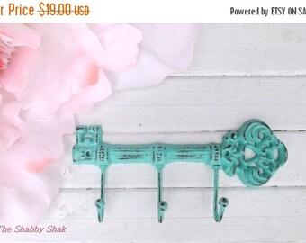 ON SALE Key Hanger  / Skeleton Key Rack /Iron Skeleton Key Hook  /  Decorative Key Hook / Shabby Chic Decor