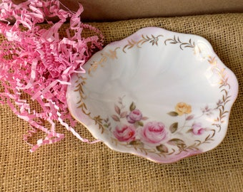 Two Shabby Roses Trinket Dishes. Candy Bowls. Jewelry Holders. Lefton China. Romantic Cottage Decor. Vintage Table Accents. Set of Two.