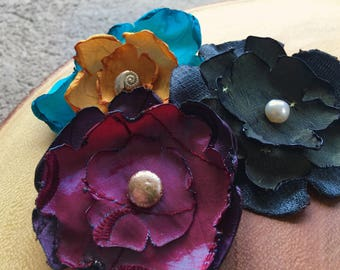 Flower hair clips set of three