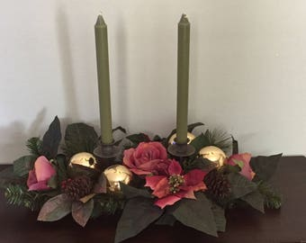 Mauve and gold candlelight arrangement