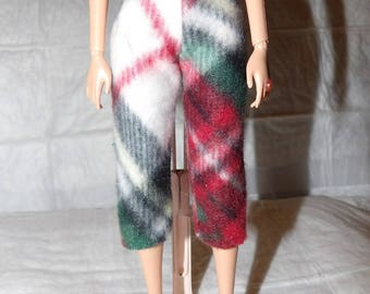 Fashion Doll Coordinates - Red, white & black plaid Fleece capri pants - es405