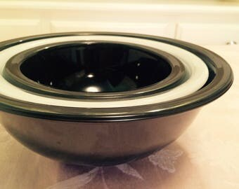 Black And White Pyrex Nesting Bowls Set Clear Bottoms Black Painted Glass Pyrex Serving Bowls Nesting Mixing Bowls. Set Of Three Nesting Bow
