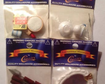 Miniature dollhouse Accessories set of 4