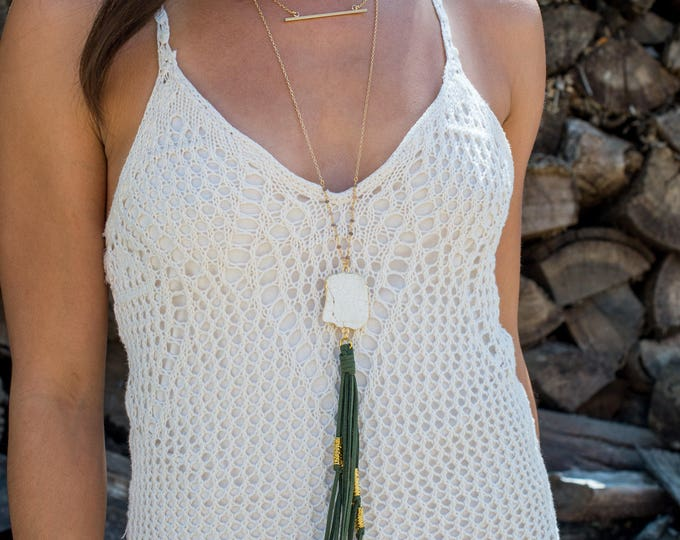 Boho Tassel Necklace. Green and White Tassel Necklace. Long Stone Slice Tassel Necklace. Boho Jewelry. Unique Gift Idea.