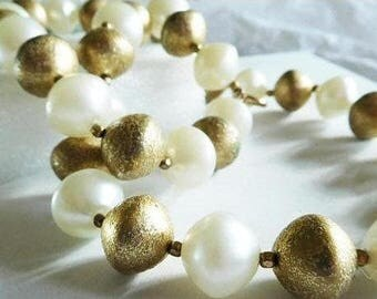 Chunky Beaded Necklace Gold and Pearl Vintage Modernist Bold Day to evening 24""