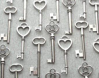 Bulk Skeleton Keys in Silver - Three Styles - The Sabine  Collection - Key Assortment - Wedding Favors
