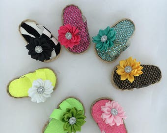 18 inch doll sandals made of textured vinyl and satin bows, made to fit 18 inch dolls such as American Girl dolls and others