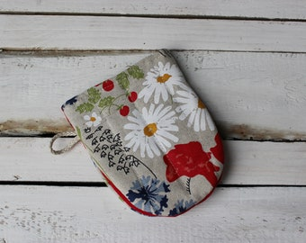 Linen kitchen gloves with a flower of the meadow Linen Glove Christmas gift for the cook him and her