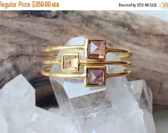 Summer Sale Unheated sapphire and 18k gold pyramid stacking rings
