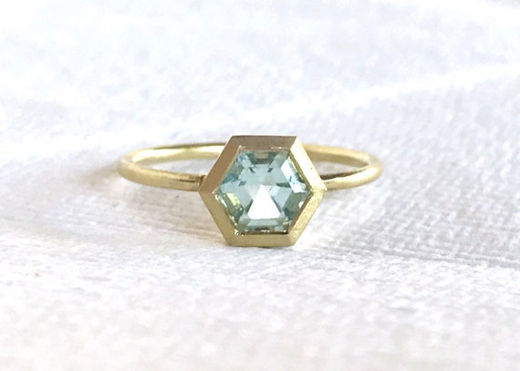 Untreated aquamarine hexagon and solid 18k gold ring