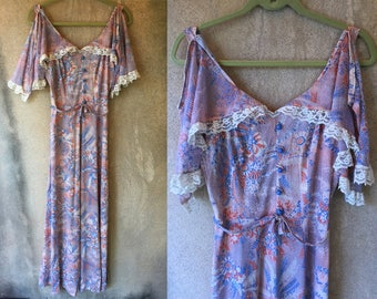 Beautiful 60's Butterfly Flutter Sleeve Lace Trim Long Maxi Gown Hippie Dress