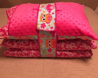 Kindermat / Nap Mat Cover in Bright Owl and Pink Print