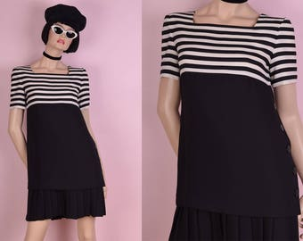90s Black and White Striped Dress/ US 6P/ 1990s/ Short Sleeve