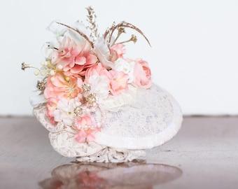 Peach and Ivory Fascinator - Vintage Style - Birdcage Veil - Fascinator - Wedding Hat - Bridal Flower Hairpiece - Floral Hairpiece - Bride