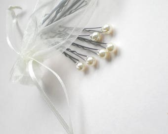Chic Mini Pearl Bridal Hair Pins. Flower Girl Hair Pin. Bride Maids Hair Pins. GIFT Bridal Shower. Chic Prom. Bridal Party. Hair Jewelry