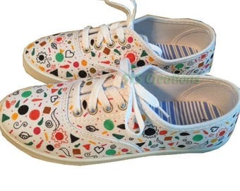 Spring Graffiti Canvas Shoes Size 7
