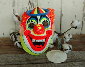 Vintage Creepy Clown Halloween Mask - Retro Clown Face, Unisex Halloween Mask, Spooky + Scary Costume, Plastic Mask, Creepy Halloween Mask