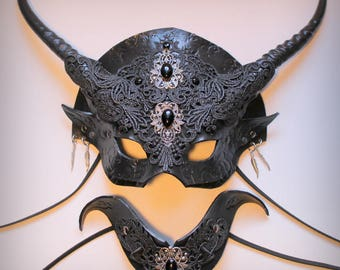 Gothic Venetian Witch mask & collar