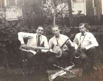 "Vintage Photos ""Swing Music Band"" Saxophone Clarinet Banjo Violin Handsome Young Men & Pretty Lady Found Vernacular Photo"