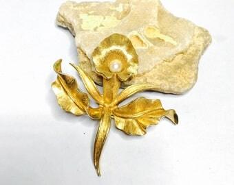 Vintage  Flower Brooch, gold tone, Faux pearls, Floral, Figural,  HALF OFF SALE, Item No. B456