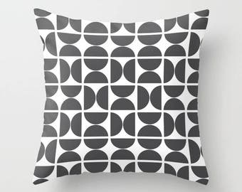 36 colours, Scandinavian Circles Pillow and Insert, Geometric, Charcoal and White pillow cover, Nordic pillow, Indoor or Outdoor options