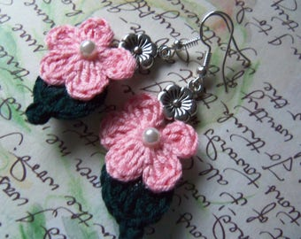 Pink Crochet Flower Earrings. Handmade Crochet Flower Earrings. Flower Earrings. Handmade Earrings.