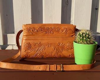 vintage handmade large hummingbird roses mexican tooled leather purse - 70s