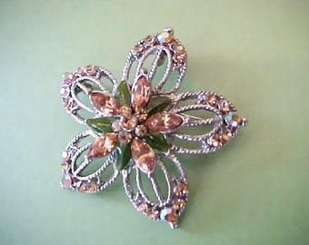 Pretty Star Flower Shaped Rhinestone Brooch/ Pendant with Enameled Leaves