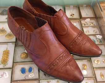 Vintage 80s ankle booties  Size 9 (may fit size 8.5) by DOLCIS  Made in Brazil