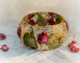 Real Rose Bangle resin Bracelet Extra Large Size lovely tiny white flowers green leaves bangle Botanical bracelet Bohemian Dried flowers