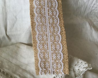 Burlap with lace inset wide x 2 mt length