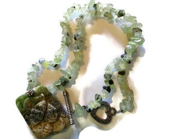 Vintage Carved Jasper Mouse Prehnite Beaded Necklace 20.75 inches
