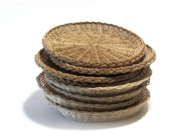 Vintage Woven Wicker Plates 8 Summer Picnic Barbecue Beach Party Bamboo Rattan Paper Plate Holders