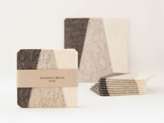Set of felt coasters / square coasters / light grey / grey coasters / modern home design / wool felt / gift idea / made in Italy