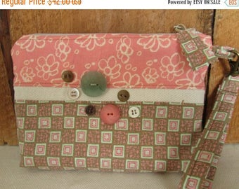 CIJSALE Peachy Pink Cream Flowers Zippered Pouch  Pockets Buttons Wristlet