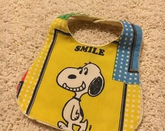 Snoopy bib