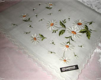 No. 200 ANTIQUE Swiss Hand Embroidered Handkerchief,  White/Green/Or  Daisys on White Embroidery No. 27