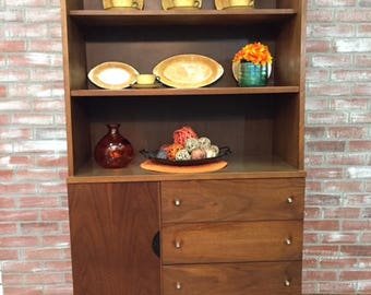 Mid Century Modern China Cabinet, Stanley Furniture MCM Hutch, One Piece  Hutch,