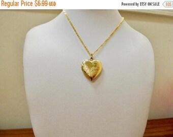 On Sale Vintage Floral Heart Locket Item K # 2