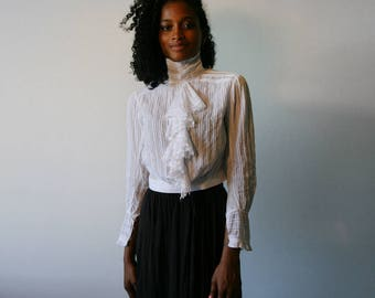 1910's Antique white blouse, cotton veil, pleated, small size