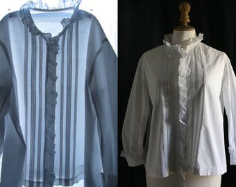 Antique white blouse, long sleeves, cotton . 1900's