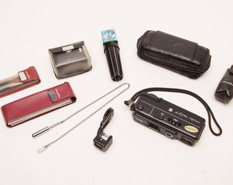 MINOLTA 16QT SPY CAMERA with Waist Level Finder & 40cm Close Up Lens - Rare 1970's Subminiature 16mm Film Camera