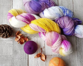 Alpaca sock yarn, hand dyed alpaca yarn, 4ply alpaca yarn, variegated alpaca yarn, alpaca merino nylon yarn, pink alpaca, purple alpaca, uk.