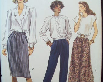 Tapered or A-line Skirt or Tapered Pants with Elastic Waistline Very Easy Very Vogue Pattern 7677 Uncut Sizes 8-10-12