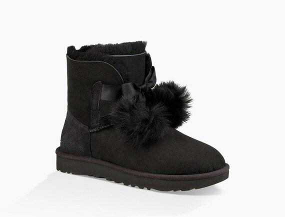 Custom UGG Bow Boots Short Mini Gita Fur Pom Pom Charm Tassel 3 color w/ Swarovski Crystal Rhinestone Jewel rear Heel Bling Glass Slippers
