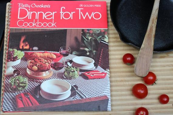 Betty Crocker's DINNER FOR TWO Cookbook, 1975 (Like New!)